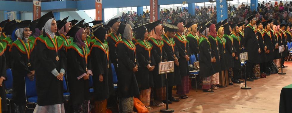 338 Lulusan FPTK UPI Mengikuti Wisuda Gelombang III tahun 2018