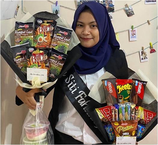Ihfa Siti Fahliani , Wisudawan Terbaik Jenjang Sarjana FPTK UPI dengan IPK 3,83