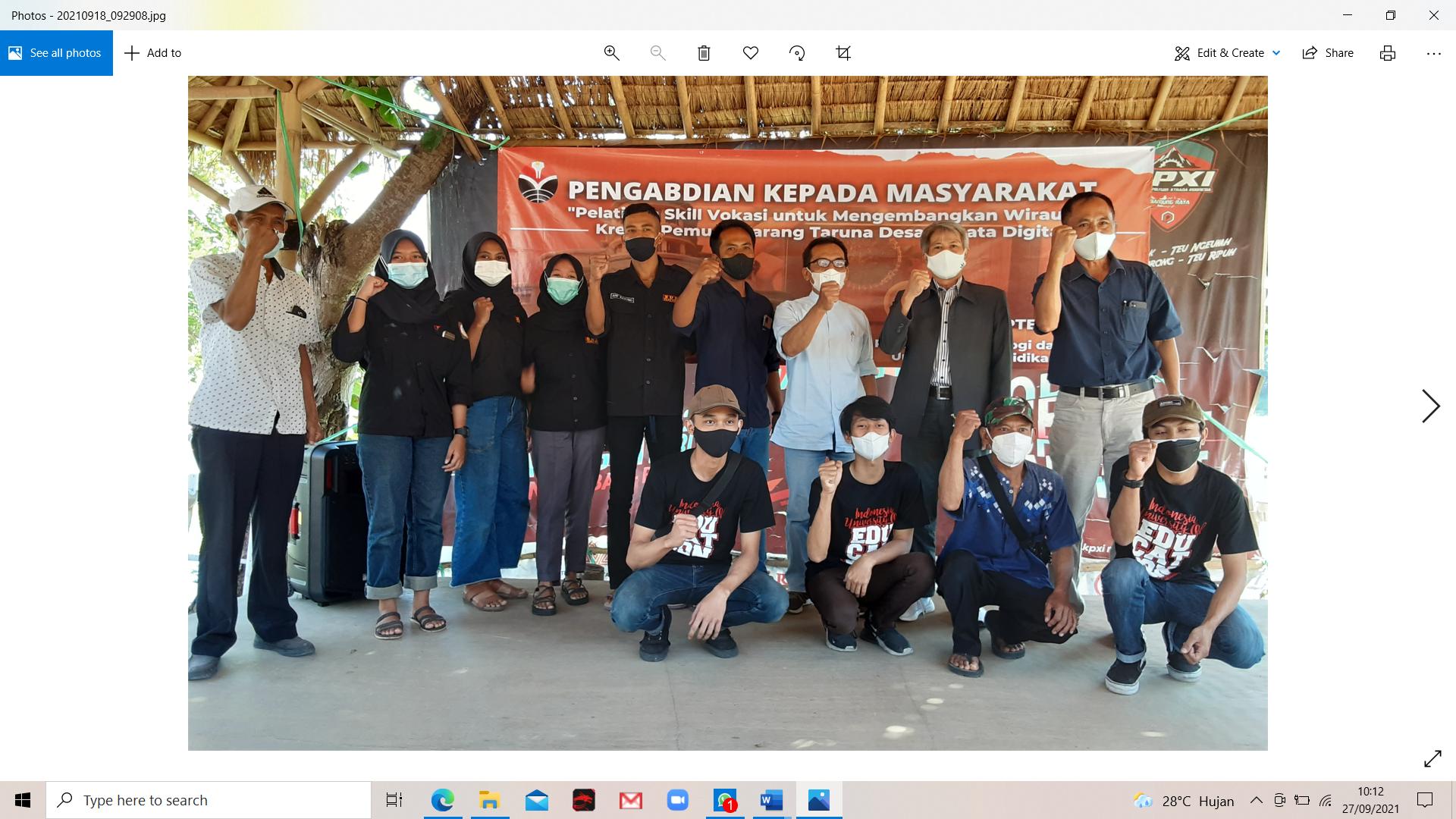 """PkM FPTK UPI: Pelatihan Skill Vokasi untuk Mengembangkan Wirausaha Kreatif Pemuda Karang Taruna Desa Wisata Digital"""""""