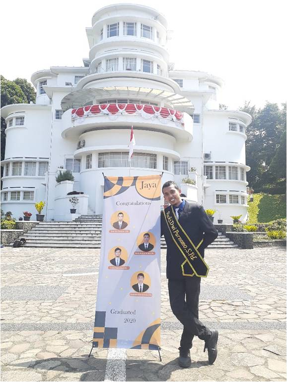 Berniat ingin membanggakan kedua orangtua, Rizki Dwi Purnomo, Berhasil Dinobatkan sebagai Wisudawan Terbaik Prodi Pendidikan Teknik Elektro