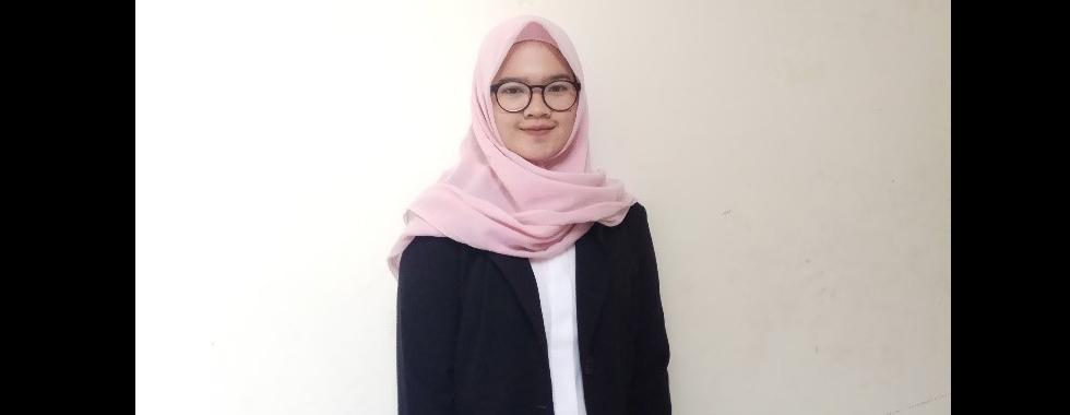 Wisudawan Terbaik Tingkat Fakultas, Aprellia Anggraeni: Terus Berusaha Sebaik Mungkin!