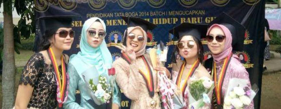 Wisudawan Terbaik Tingkat Fakultas, Alifya Azhar: Dare to Dream!