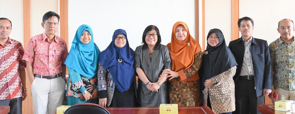 Fakultas Pendidikan Teknologi dan Kejuruan Universitas Pendidikan Indonesia dan FKIP Universitas Palangkaraya Tandatangani Perjanjian Kerjasama MoU 5thUPI International Conference TVET Joint Conference