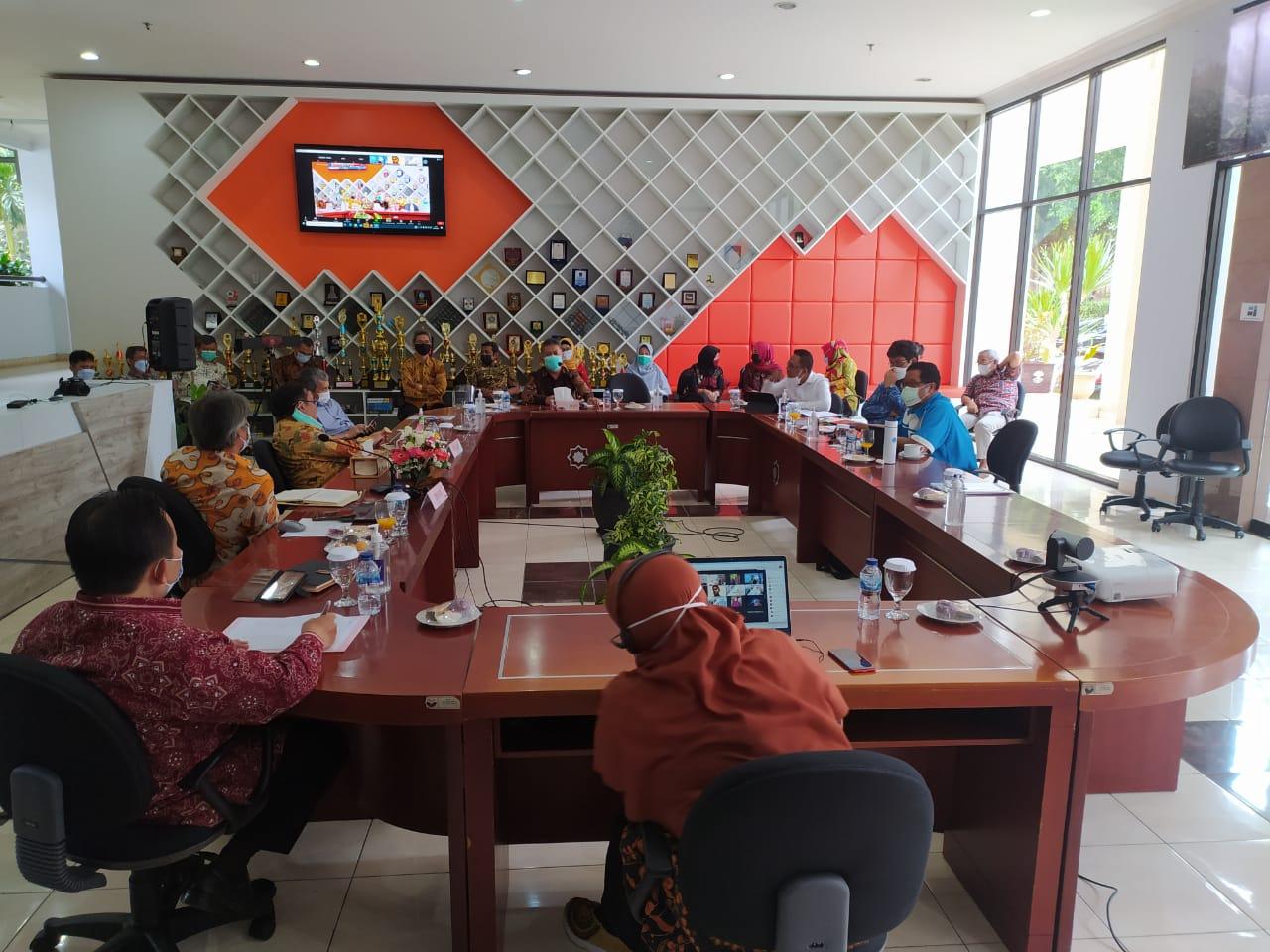 Rektor Universitas Pendidikan Indonesia Lakukan Kunjungan ke FPTK UPI