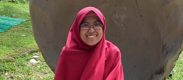 Wisudawan Terbaik Tingkat Fakultas, Lipur_Khasanah