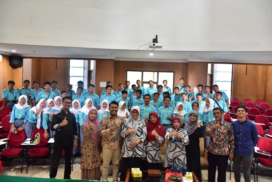 FPTK UPI Terima Kunjungan Siswa SMK Negeri 1 Kemang Bogor